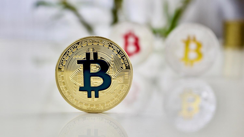 mennyit kereshet egy bitcoin)