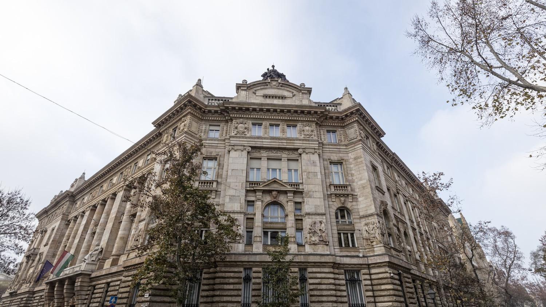 Az infláció és a forint állítja megint válaszút elé jegybankot - Mit lép a Monetáris Tanács?