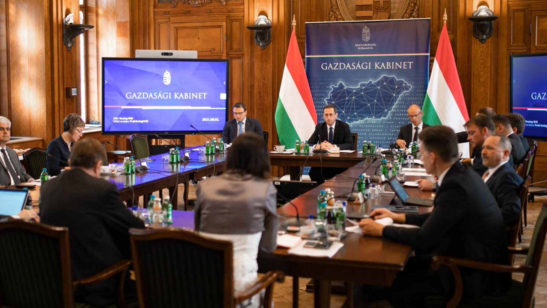 Varga Mihály bejelentette: mozgósítja Magyarország a költségvetés szabad forrásait is