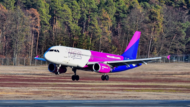 Újabb járat leállításáról döntött a Wizz Air a koronavírus miatt