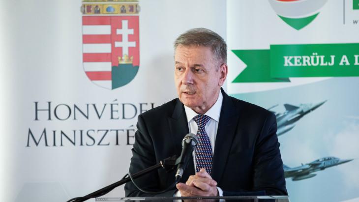 Az ukrán nagykövettel egyeztetett Benkő Tibor honvédelmi miniszter