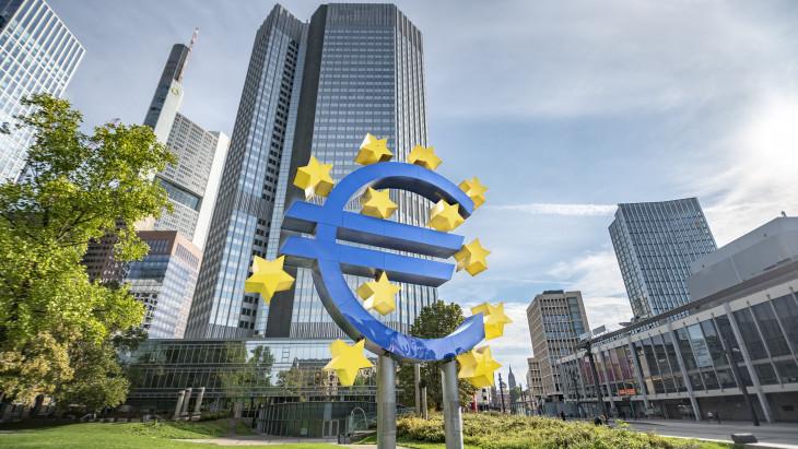 Közeleg az elkerülhetetlen áremelkedés: mit (nem) mond rá az EKB?