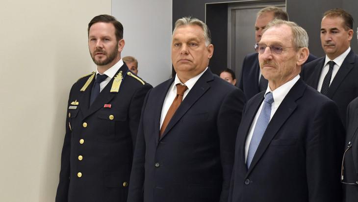 Felmentette Orbán Viktor az Alkotmányvédelmi Hivatal főigazgatóját