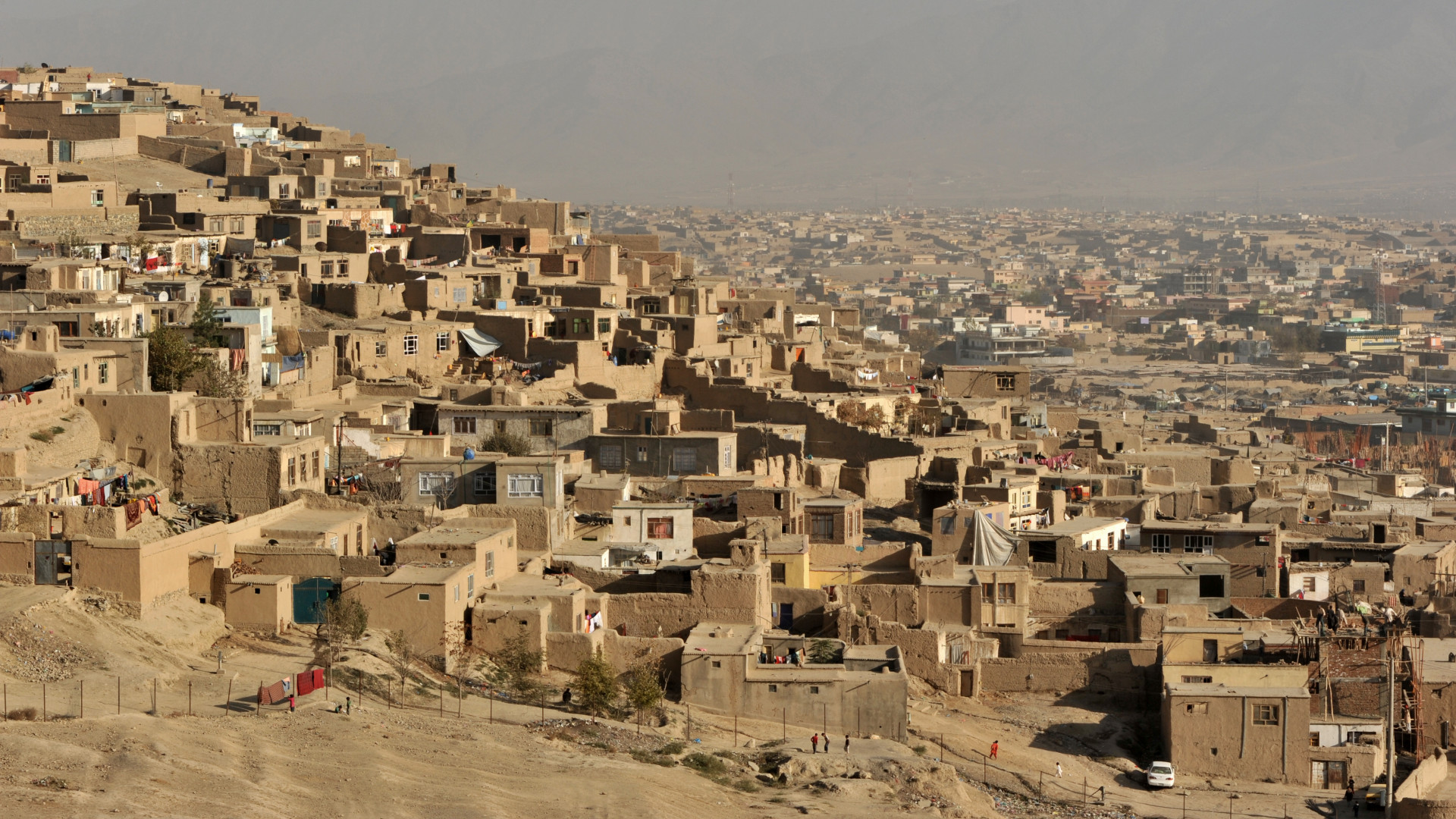 Súlyos a helyzet Afganisztánban, kiürítik az egyik legnagyobb várost