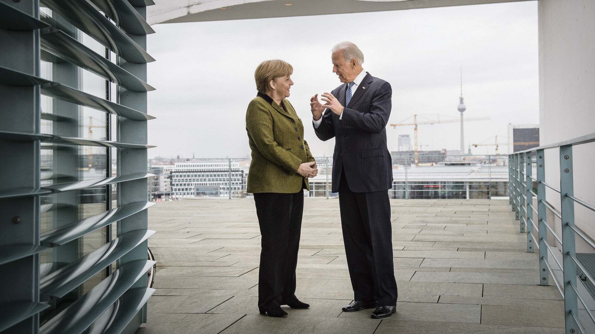 Hamarosan meglátogatja Joe Bident Angela Merkel