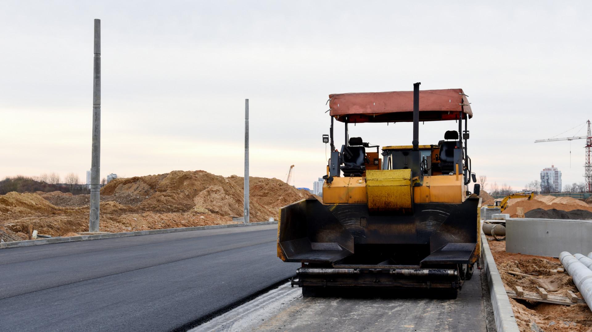 Hatalmas torlódásra számíthatnak a 10-es úton közlekedők