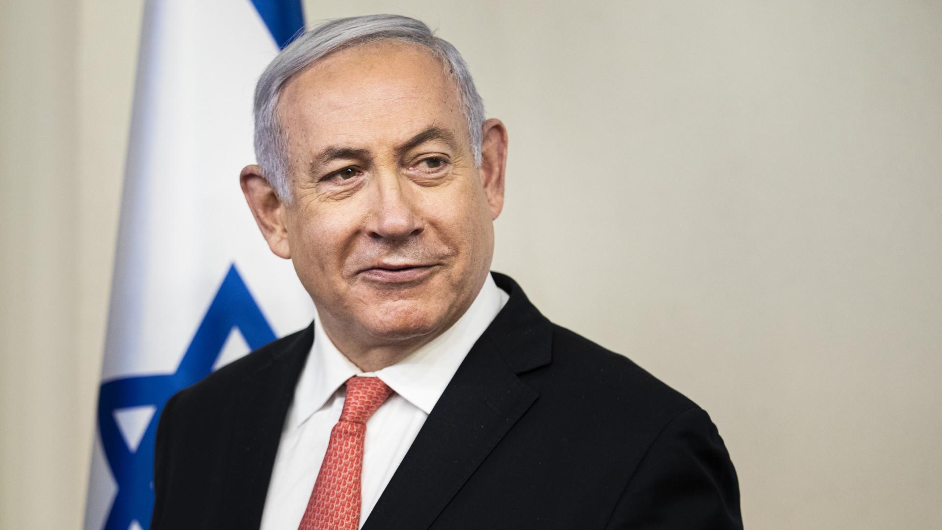 Koronavírus: Izraelben elsőként a miniszterelnököt oltották be