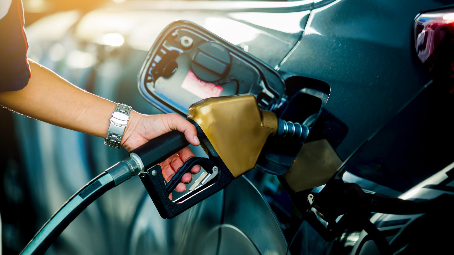 Orbán Viktor nem zártra ki az üzemanyagárak befagyasztását
