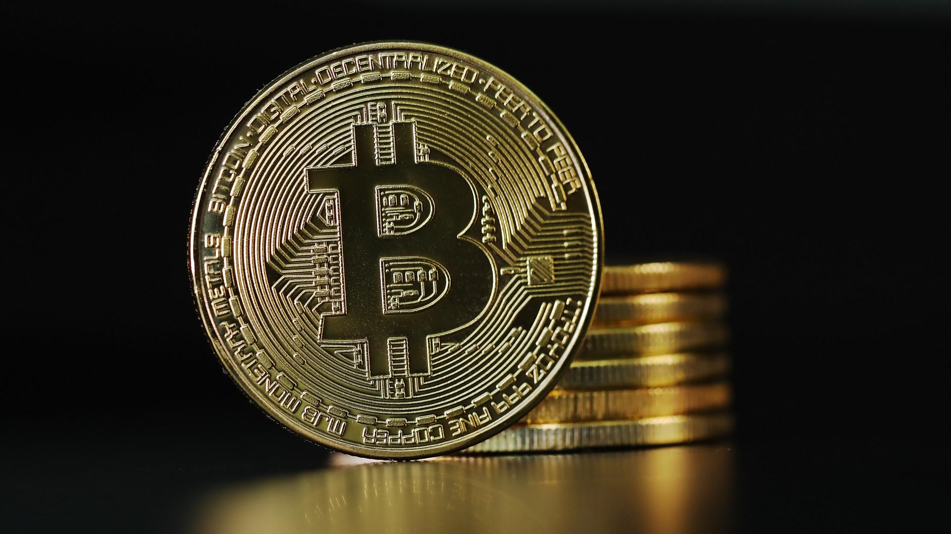 bitcoin valós kötet)