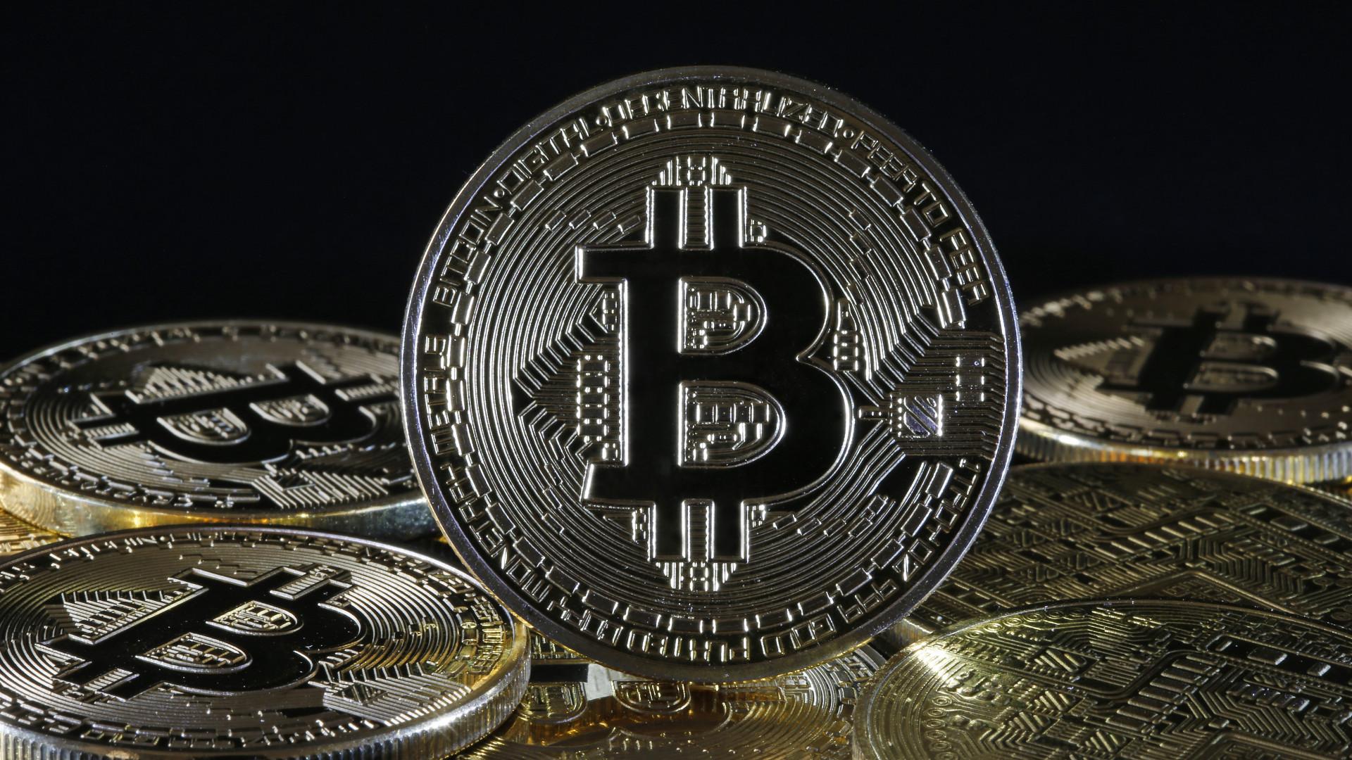 j p morgan súlya segít az ügyfelek kereskedelmi bitcoin határidős)
