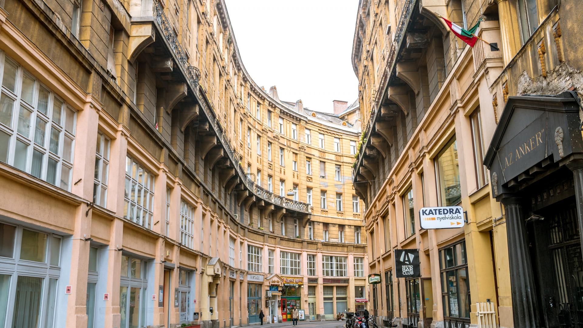 Méghogy Budapesten drágák a lakások? - Jobb ha körbenézel a szomszédban