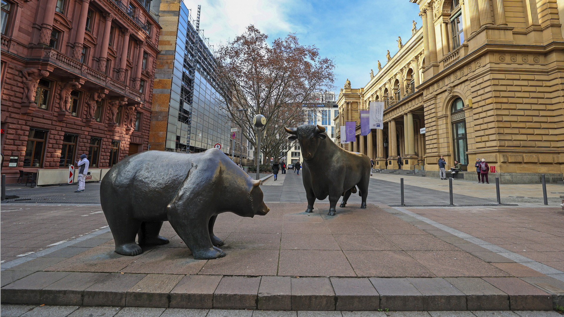 Dogecoin  latest dogecoin news Bitcoin rallies, oil falls, uncertainty in stock markets thumbnail