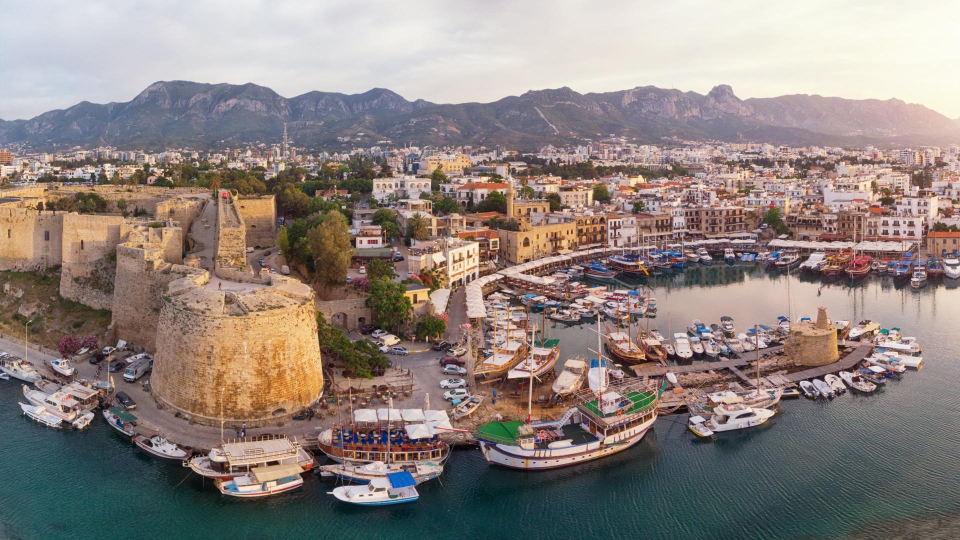 Ciprusra már mehetnek a magyarok nyaralni