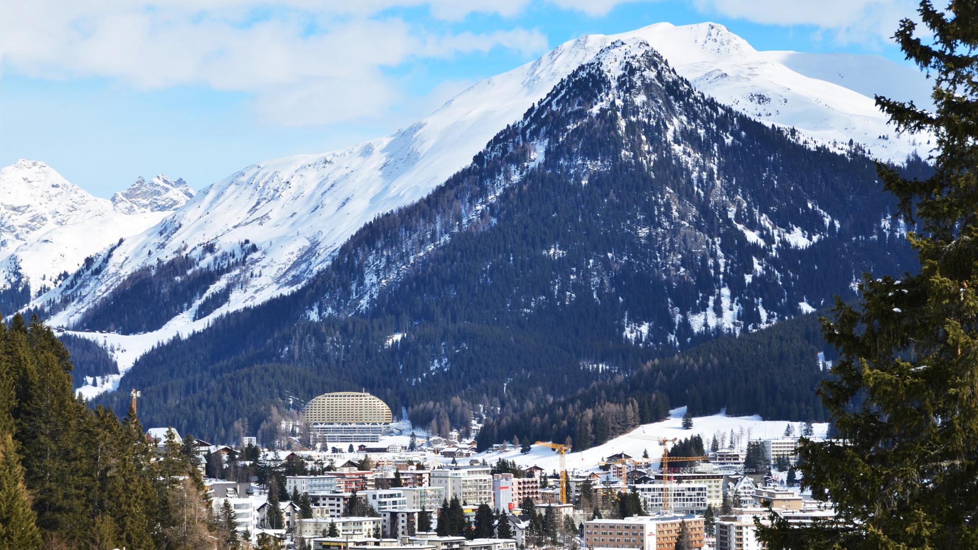 Koronavírus: telefonadatokat kér a svájci kormány a lakosság mozgásáról