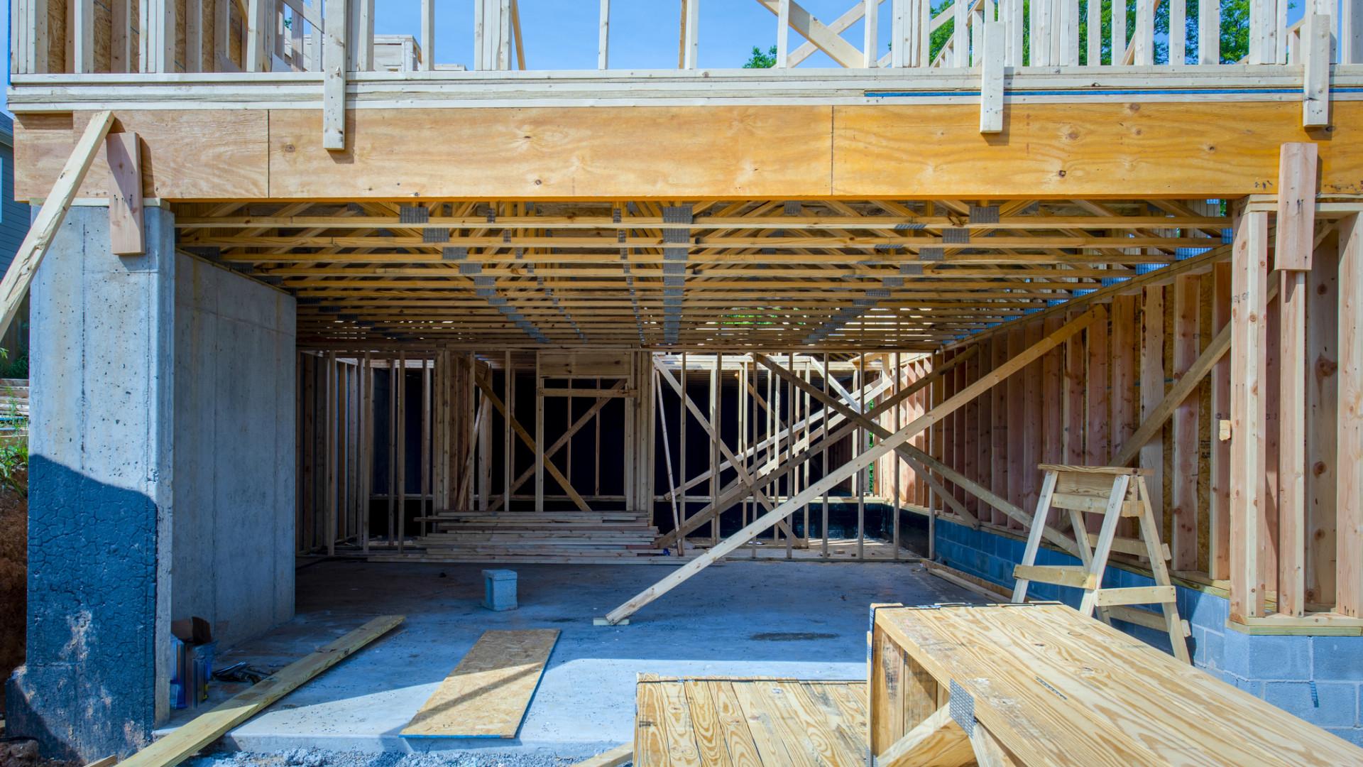 A világ egyik vezető ingatlanfejlesztője szerint alig érezhető a faanyagok drágulása