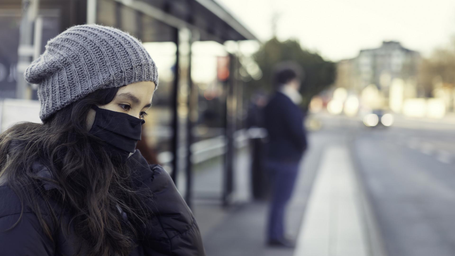 Kemenesi Gábor: itt a bizonyíték, hogy remekül működik a maszk a tömegközlekedésen!
