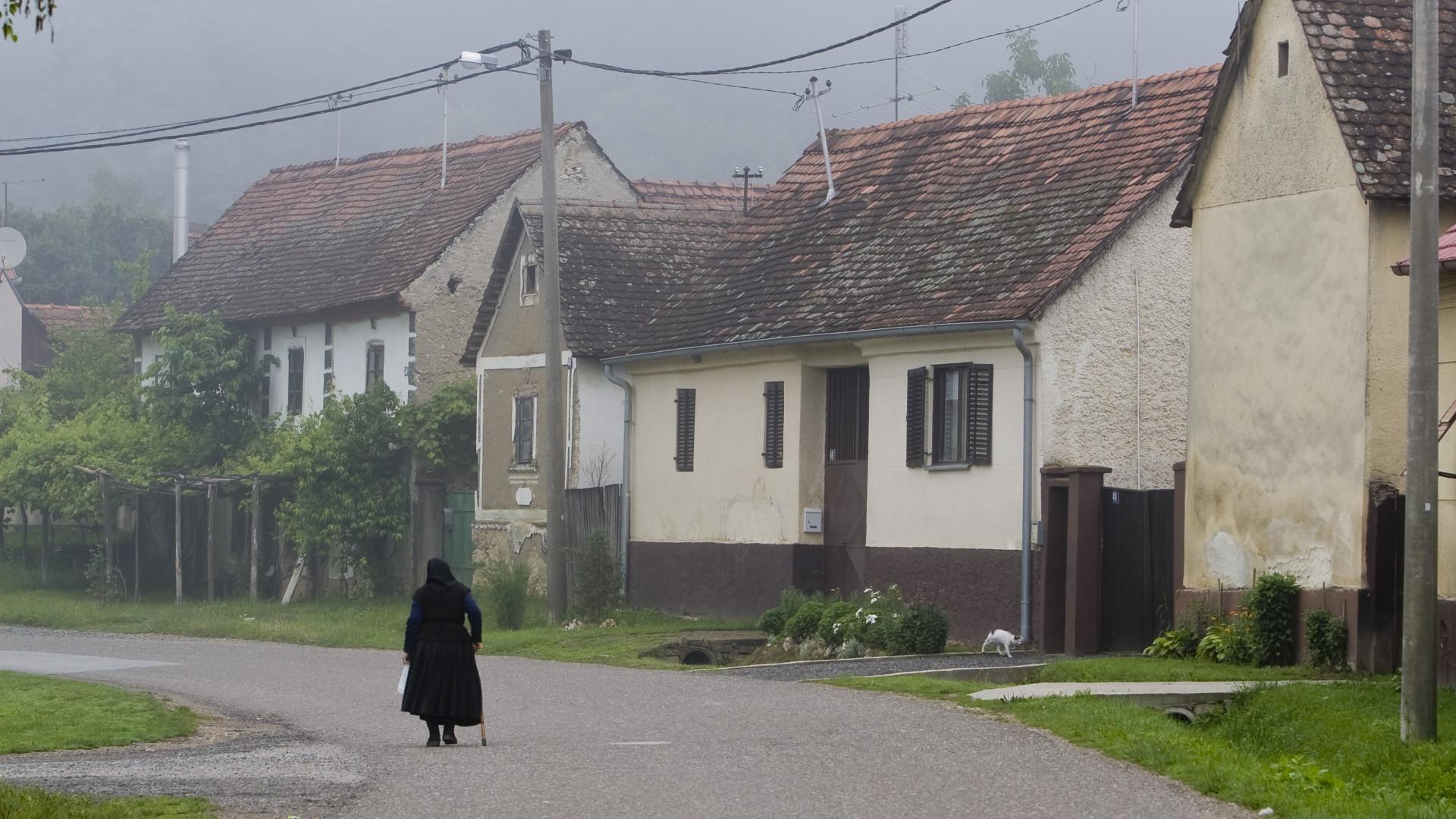 Ez a magyar nyugdíjvalóság: szegénységi csúszdára kerülnek az idősek