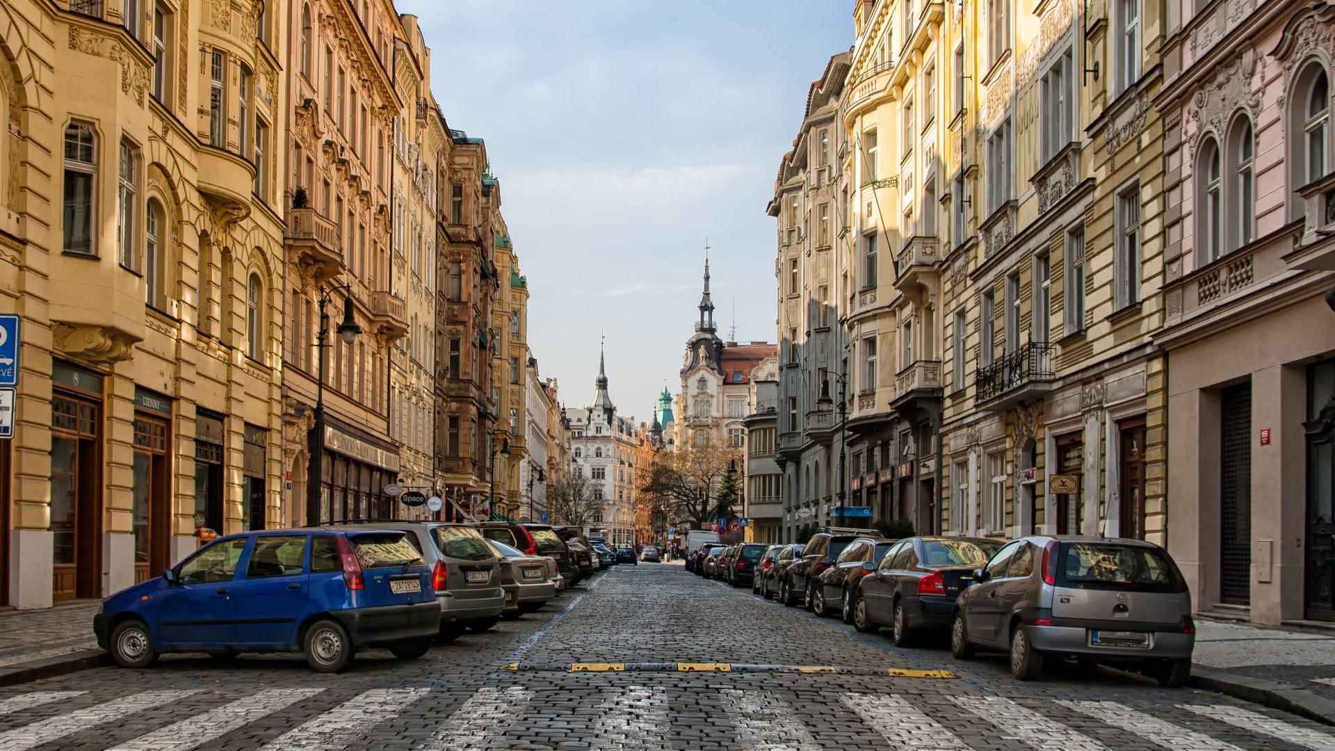 Hamarosan vége az ingyenes parkolásnak Magyarországon