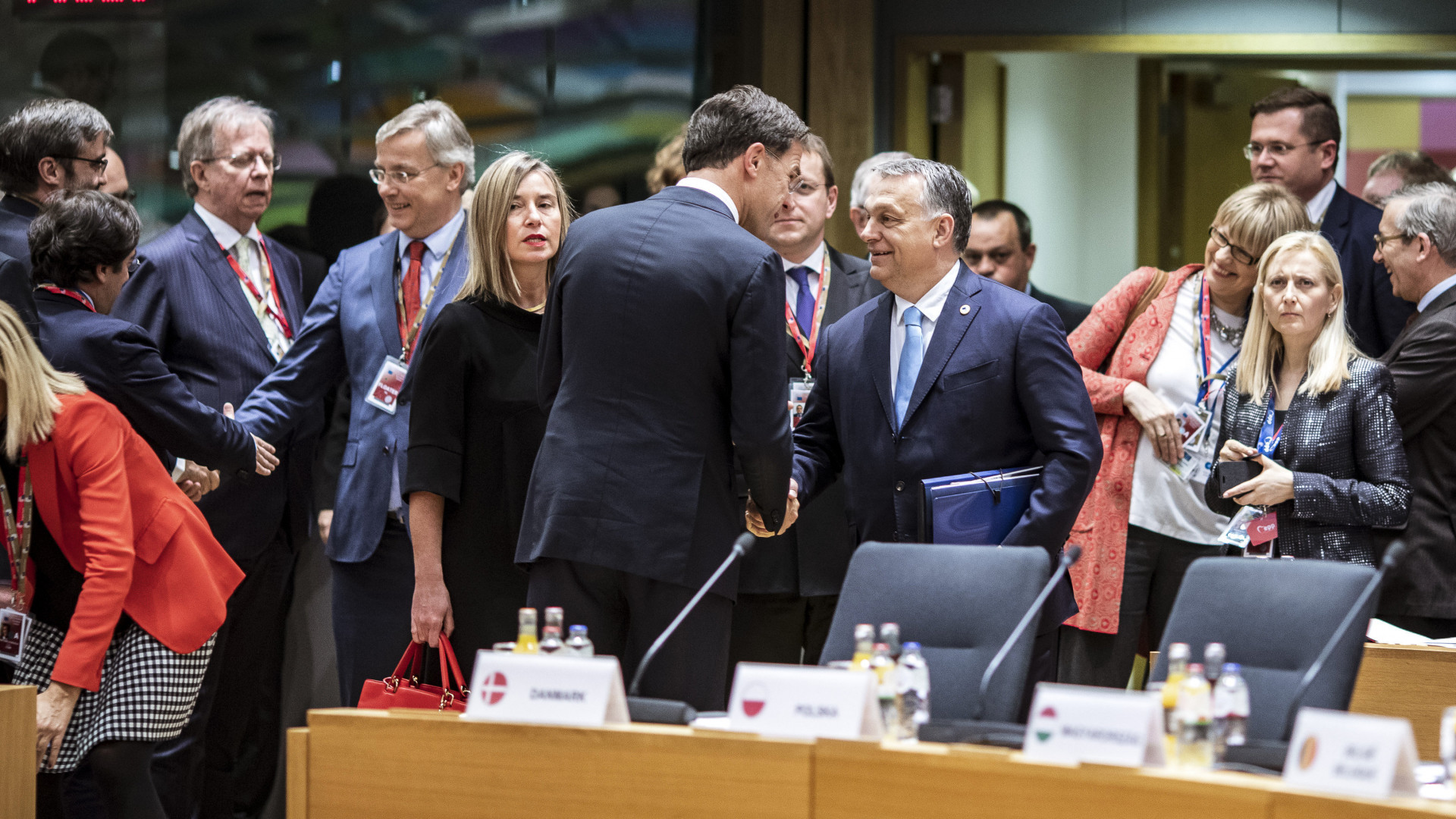Ki kell zárni Magyarországot az EU-ból a világ egyik leghíresebb közgazdásza szerint