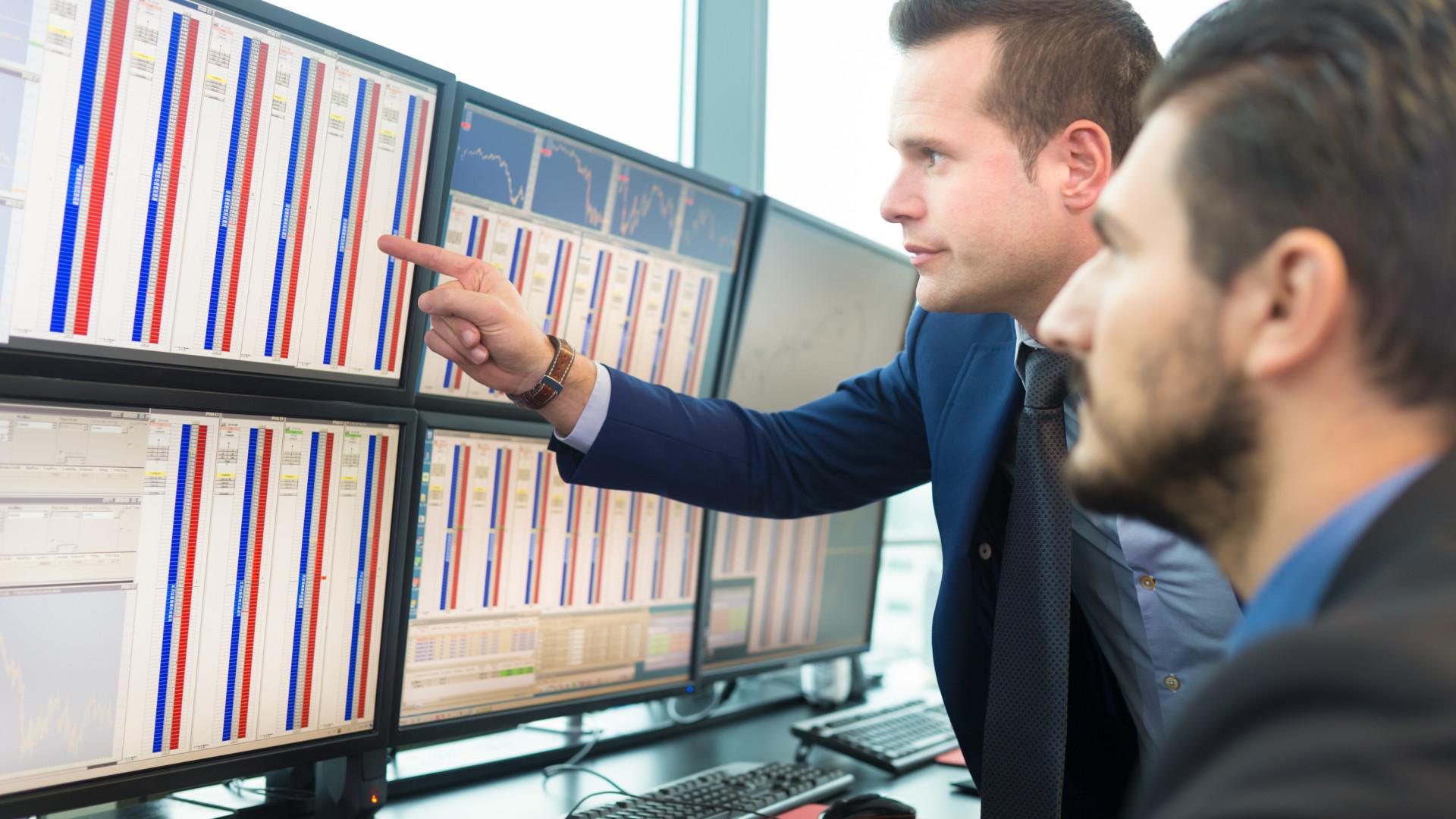 kereskedés hírekkel grafikonokkal