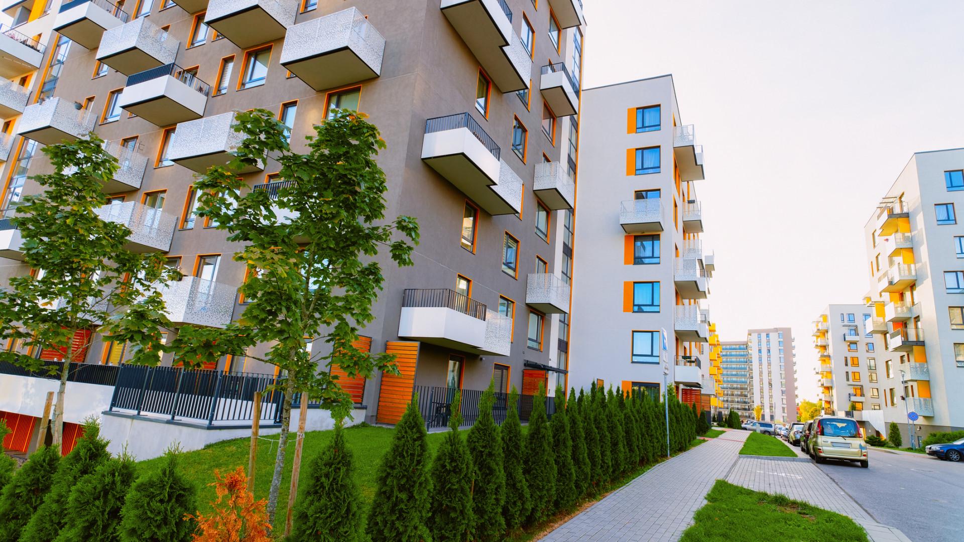 Megrohanták a vásárlók a hazai lakáspiacot - Kijöttek a nyár közepi számok