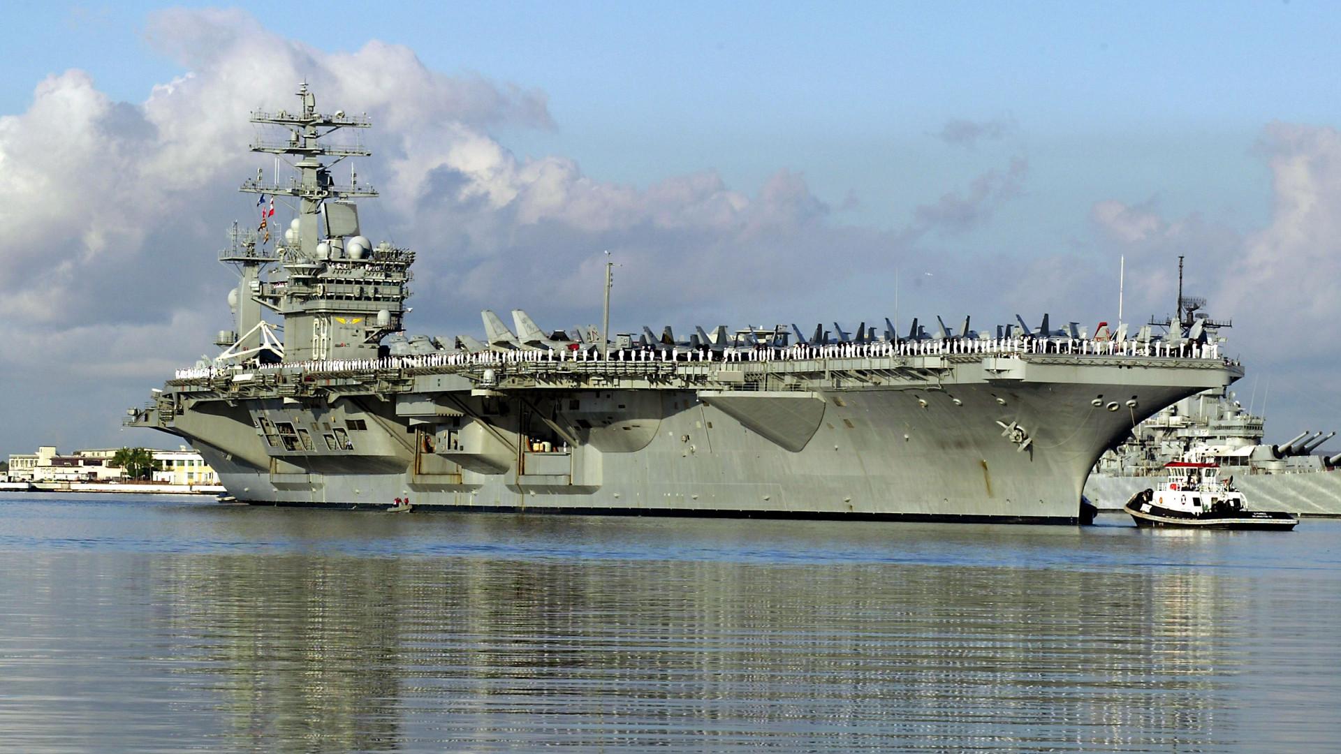 Amerika repülőgép-hordozót rendelt a Perzsa-öbölbe