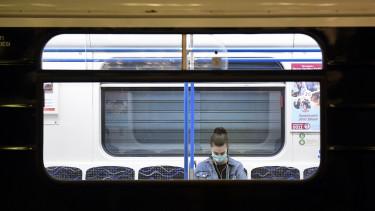 3-as metró szájmaszk