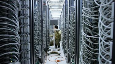 A bitcoinhoz hasonló megoldással mentené a kkv-kat egy magyar cég
