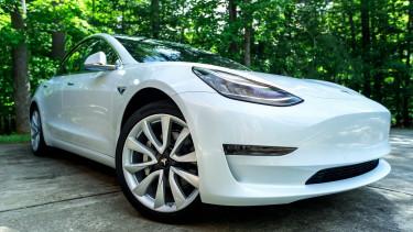 A drága Tesla még drágább, az olcsó még olcsóbb lesz