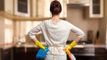 A fiatalok túltesznek a szüleiken: a nőknek márpedig otthon a helyük!