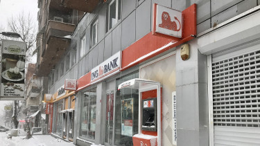 A fizetések alapján reklámoztak a holland bankok, kiakadt a hatóság