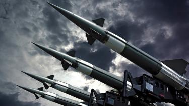 A hidegháború óta nem fegyverkezett ilyen őrült ütemben a világ