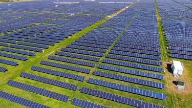 A jövő naperőművét építik fel Angliában