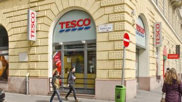 A Tesco 30 dolgozót rúgott ki egy magyar áruházból