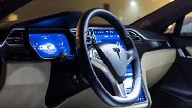 A Tesla összeomlása jól jönne az európai autógyártóknak
