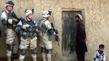 afganisztan katona