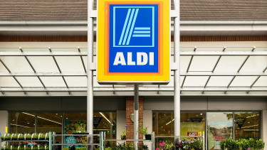 Aldi, E.ON to install 360 charging points for e-cars in Hungary