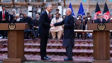 amerikai afgan bekekotes