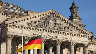 ANALYST VIEW - German problems seen cracking CE3 resilience