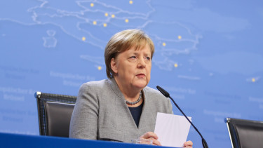 Angela Merkel lemondas financial times nemetorszag