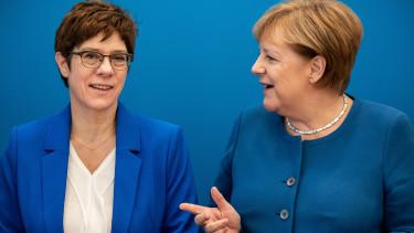 Annegret-Kramp Karrenbauer Angela Merkel CSU nemetorszag