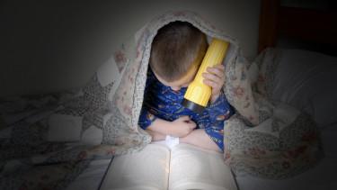 áramszünet_gyerek_olvasás