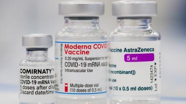 astrazeneca pfizer moderna