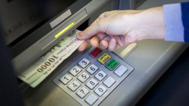 atm bankautomata forint készpénz tranzakciós illeték