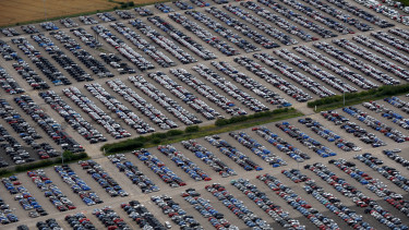 autoipari katasztrofa zuhan az autoeladas koroknavirus