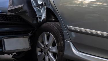 Autósok, figyelem: így változik végül a kötelező biztosítás adója