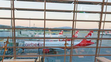 Az easyJet is kap egy szeletet az Air Berlinből