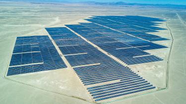 Az ezredforduló óta nem látott dolog történt a nap- és szélenergiával