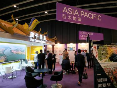 Ázsiai stand az Övezet és Út konferencián Hongkongban.