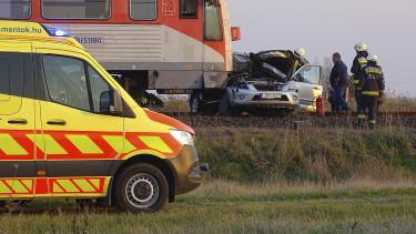 baleset vonat autó mentő